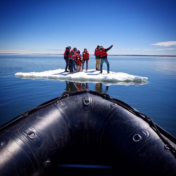 sea-north-tours-floe-ice-tours-group-selfie-churchill