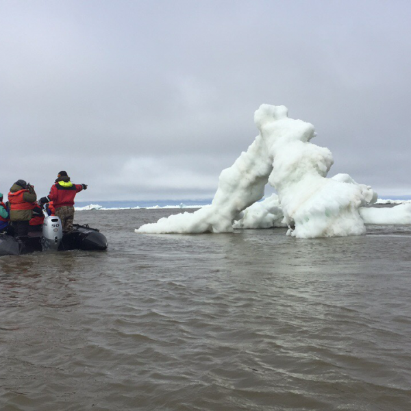 sea-north-tours-floe-ice-tours-on-zodiac