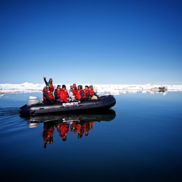 sea-north-tours-floe-ice-tours-zodiac-group-picture-churchill